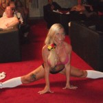 Sharon Show in einem FKK-Club
