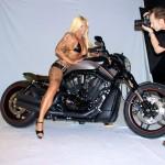 """Sexy Backstage Foto zum Shooting für die """" Biker News """""""